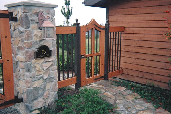 Installation - Residential and Commercial Gates 2