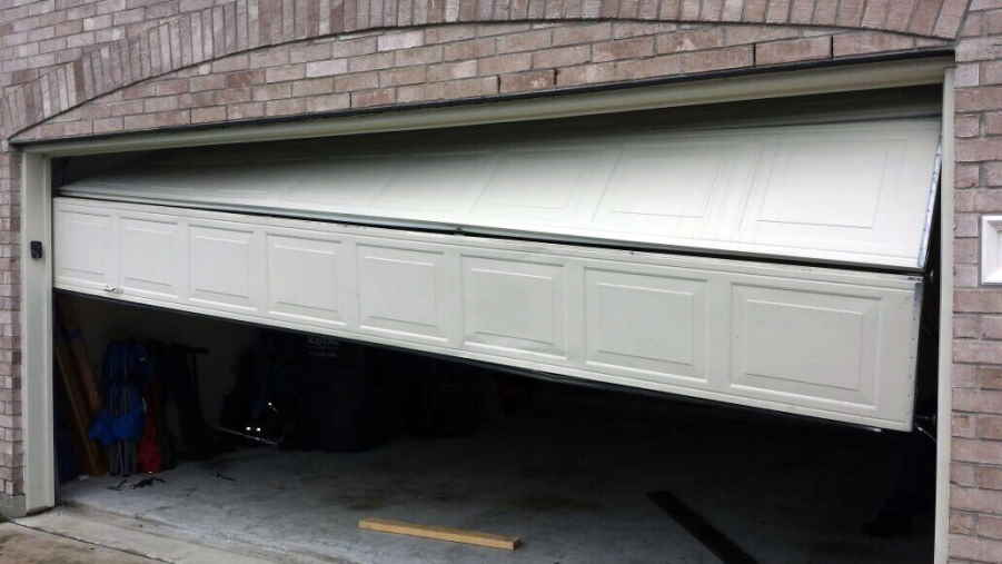 Hire Professionals To Fix Garage Doors And Be At Ease