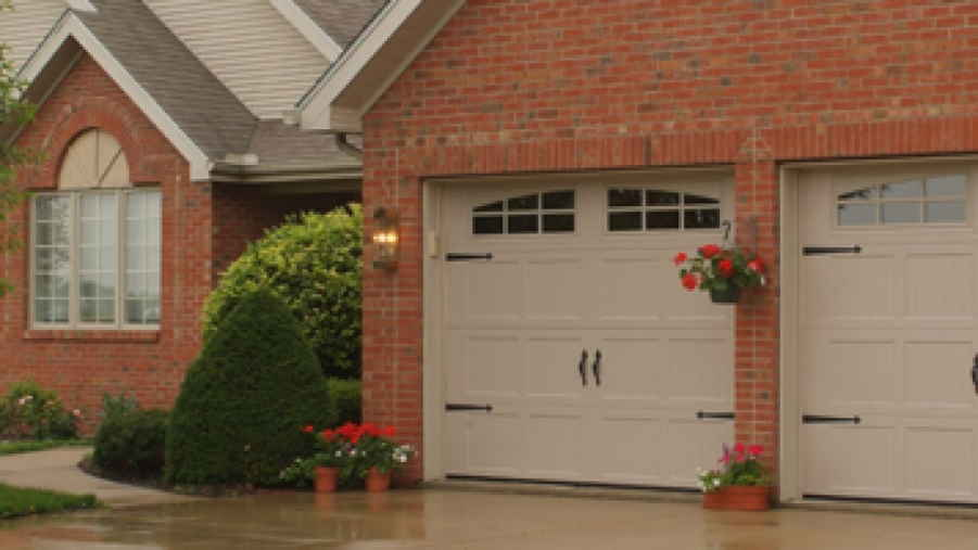Some Tips On How To Keep Your Garage Door In Apt Working Condition